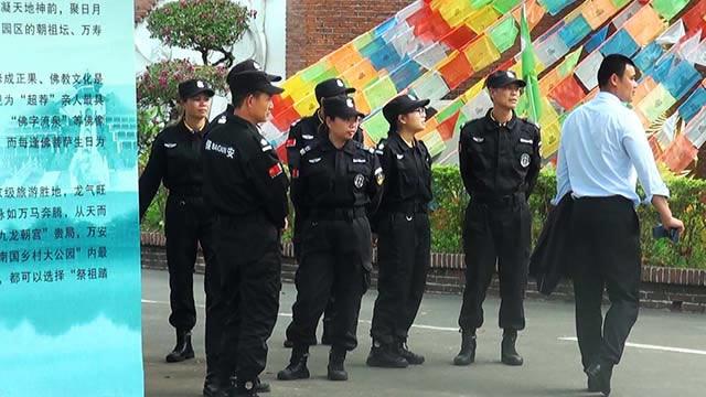 公司保安队参加开工仪式