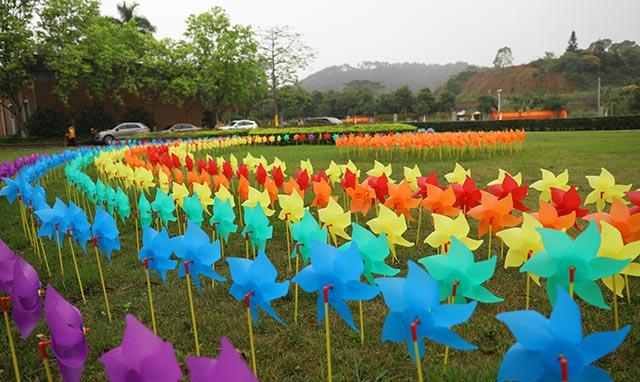 11装饰一新的园区景观.jpg