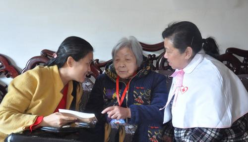 农民将军甘祖昌遗孀龚全珍签遗体捐赠书:有用就全捐
