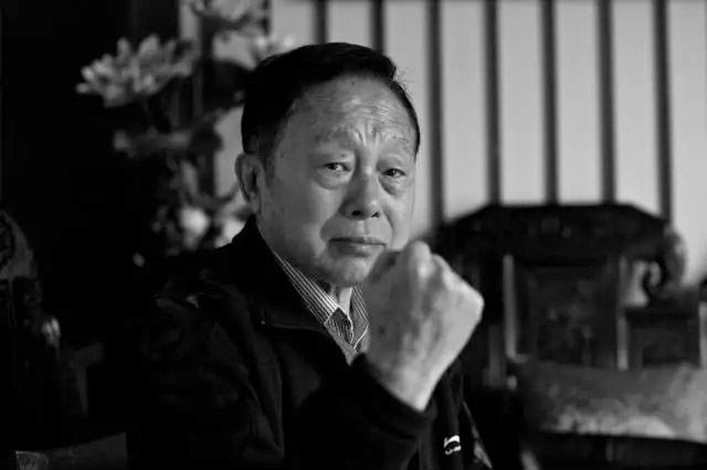 首届春晚总导演黄一鹤因病去世