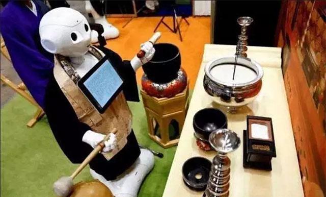日本(和尚)机器人主持葬礼