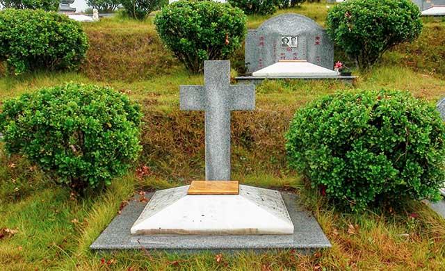 金顶福位基督墓碑