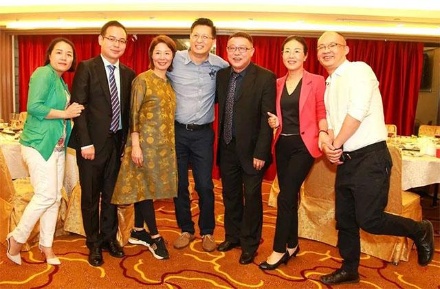 11香港团队精英及合作代表.jpg