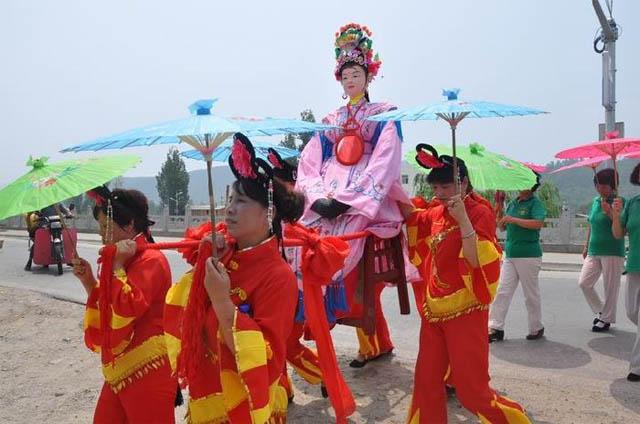 3七夕节既是拜祭七姐的节日,也是爱情的节日