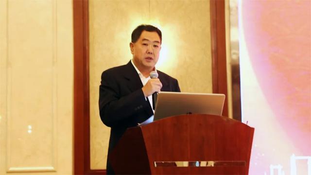 2中国殡葬协会会长李建华讲话