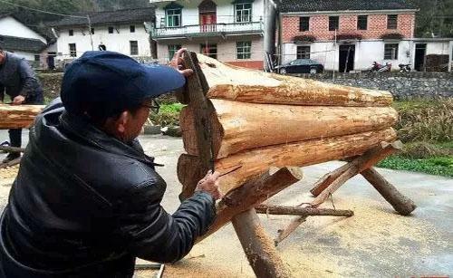 1打寿材的木匠是种专门的行当
